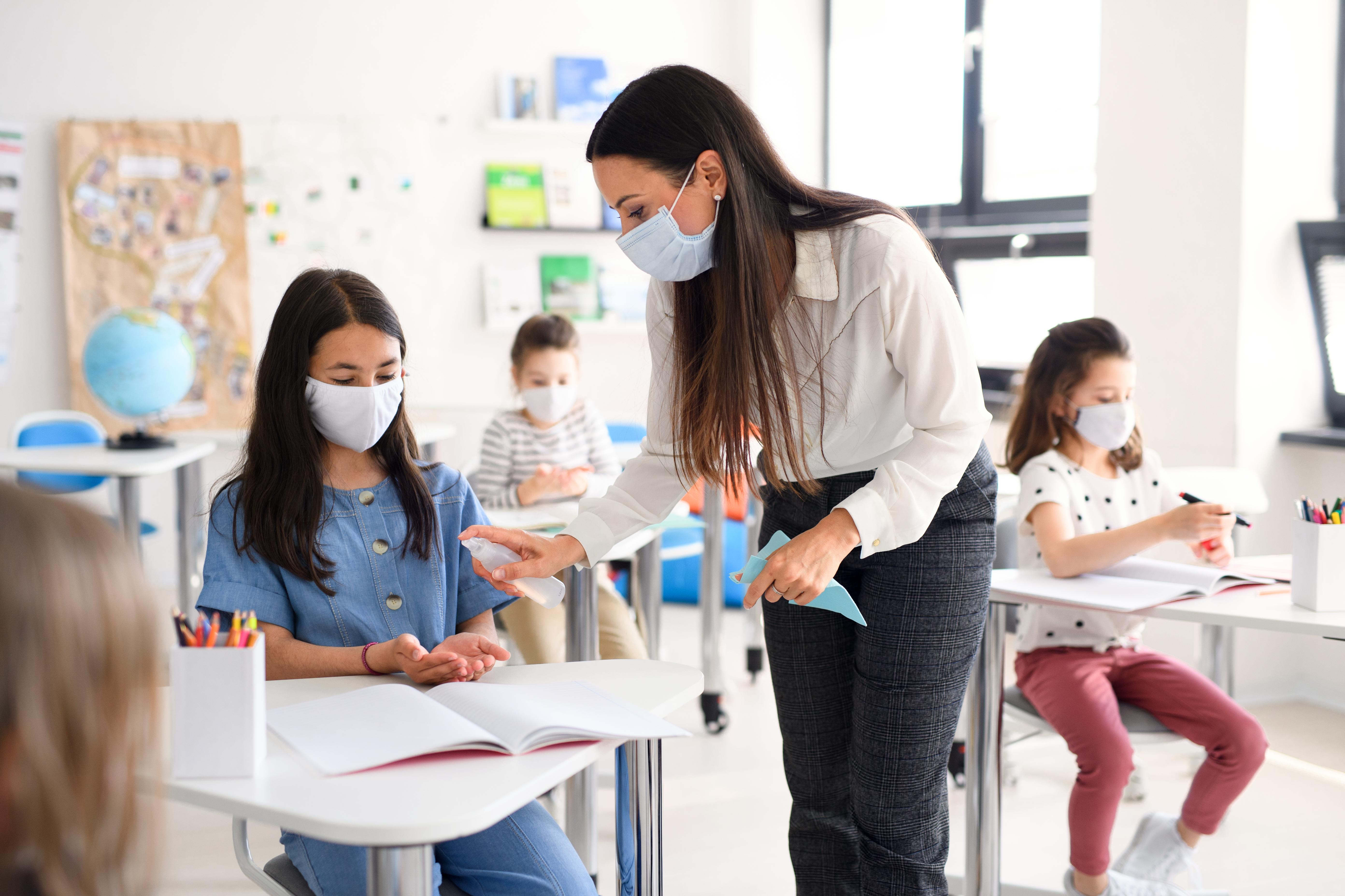 училища, детски градини, вентилация, предпазва от Covid